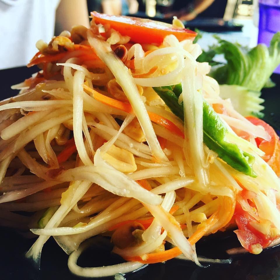 Halal food in Bangkok: Som-tam (also known as Papaya Pok Pok)