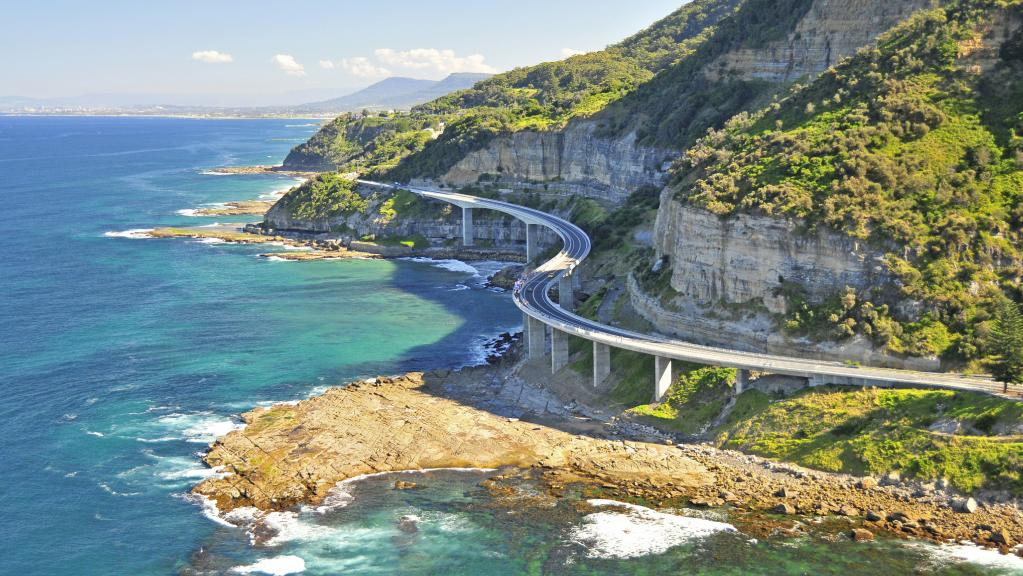 One of the sydney attractions you don't want to miss is the Grand Pacific Highway.