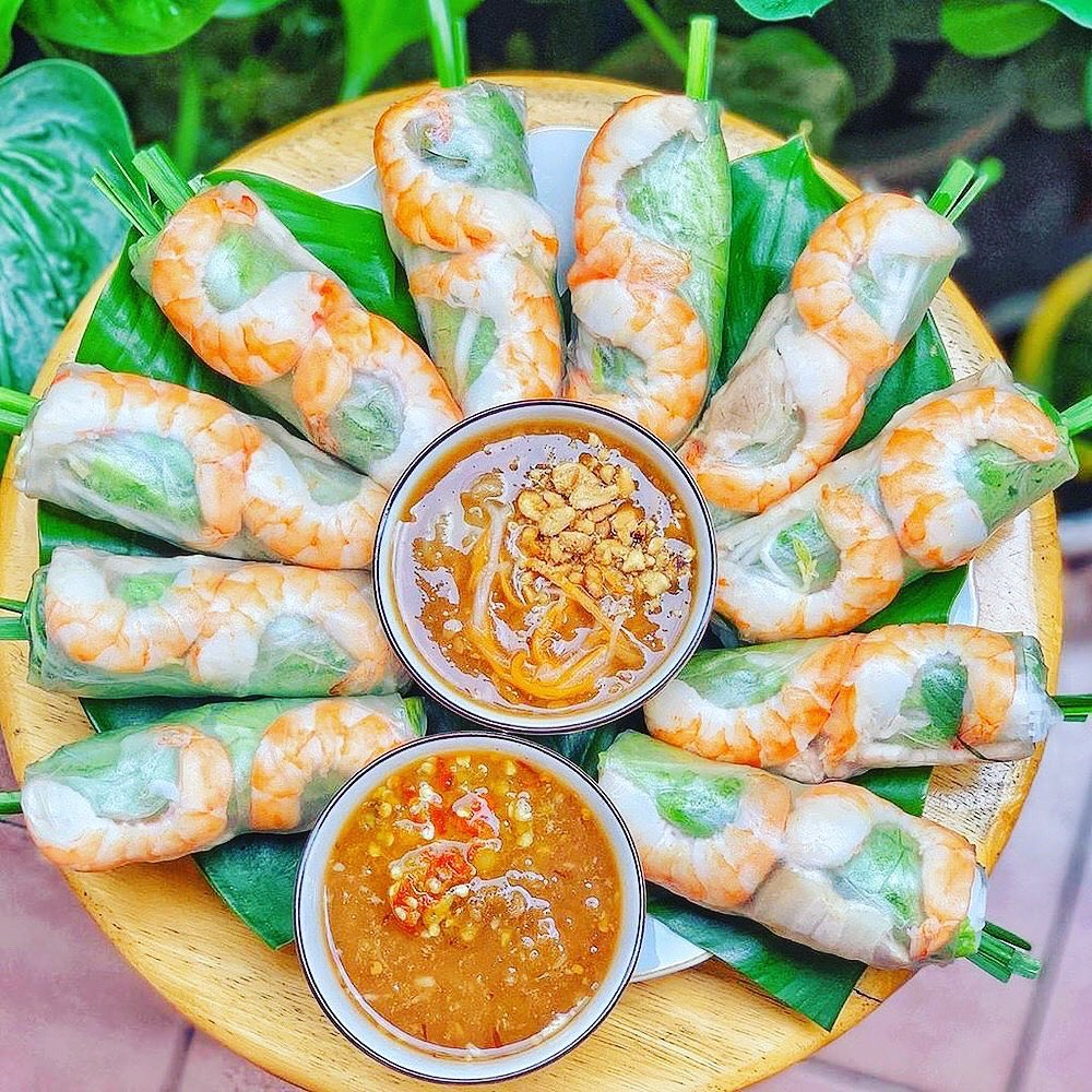 Goi cuon is a vietnamese spring roll and famous food in Vietnam