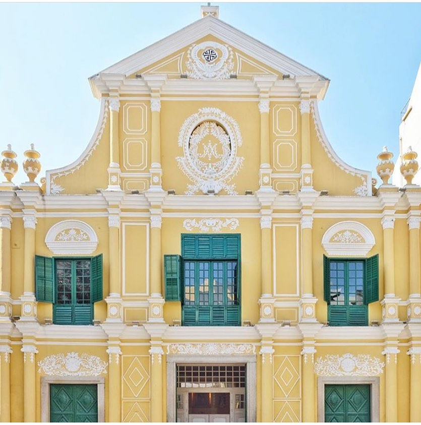 St. Dominic's Church is famous for its baroque design