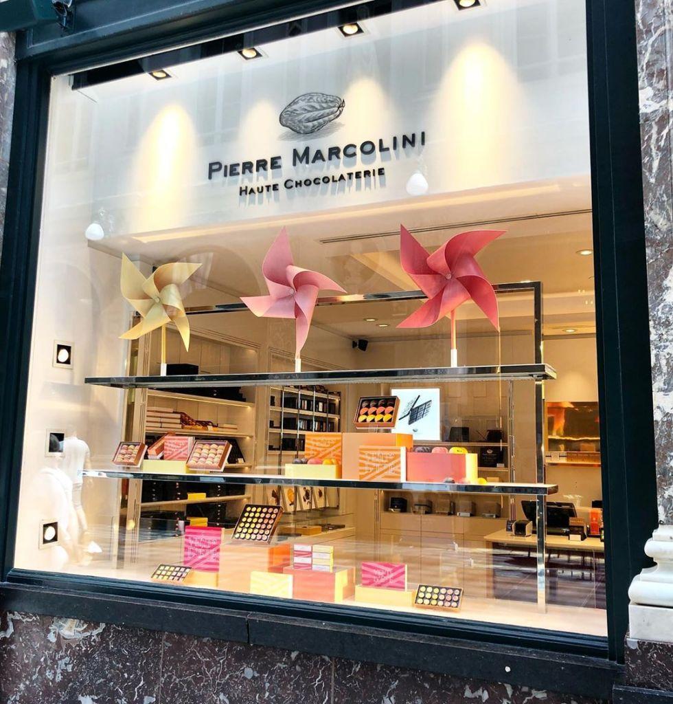 Pierre Marcolini menyajikan coklat dari Belgium