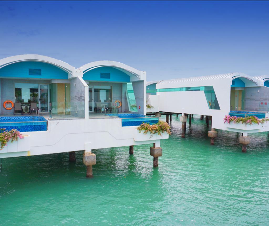 Setiap bilik di Lexis Hibiscus Port Dickson juga mempunyai kolam renang sendiri