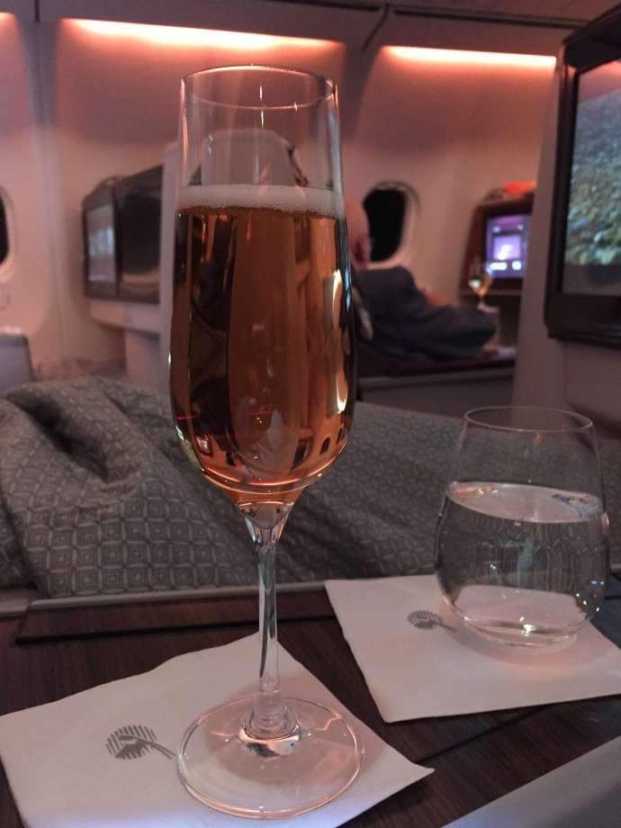 啟航前先來杯香檳吧!