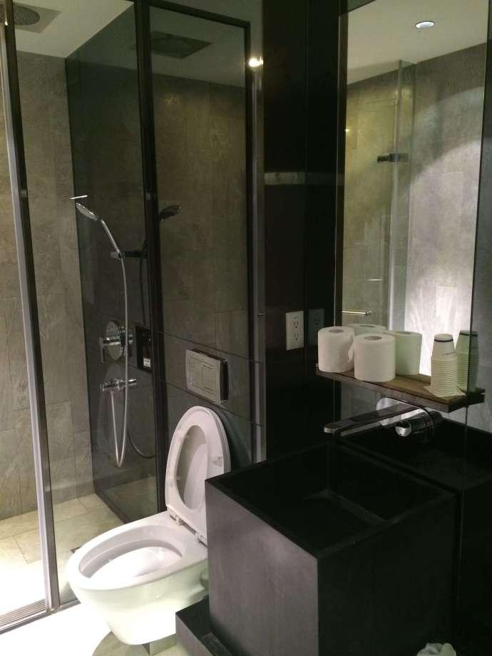 中華航空貴賓室:淋浴間