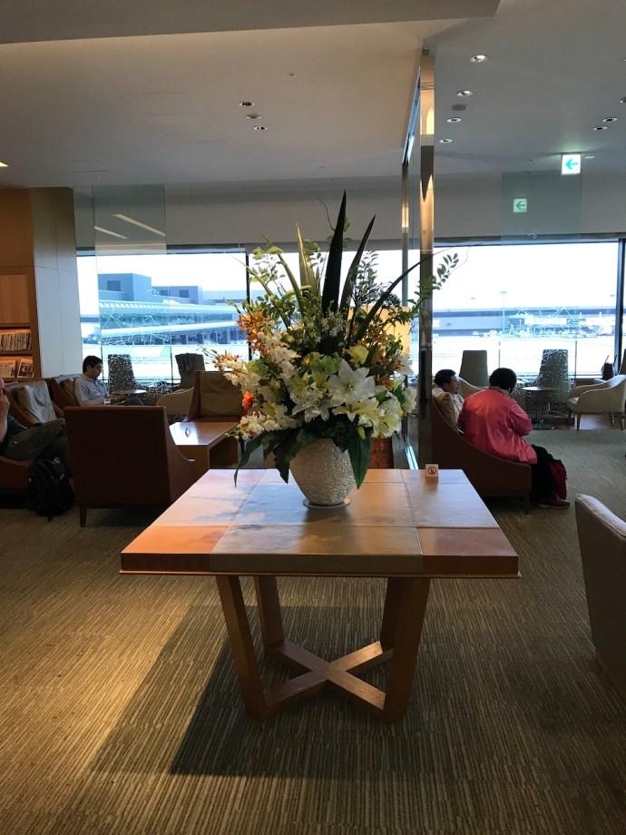 [Tom飛行紀錄] 東京成田機場日本航空櫻花(商務)貴賓室(主大樓)巡禮