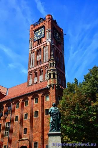 Ratusz w Toruniu i pomnik Mikołaja Kopernika