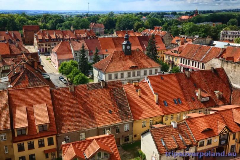 Reszel - widok na rynek i ratusz z wieży zamkowej