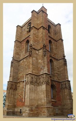 Dzwonnica przy bazylice św. Jakuba i św. Agnieszki