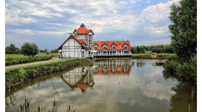 Wypoczynek w pałacu na wodzie – Wielimowo Osada Danków