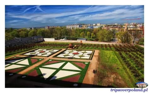 Pałac Biskupów Krakowskich - widok na ogród włoski