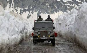 Indian Army Jawans hold ground on China border for country even in minus 12 degree temperature