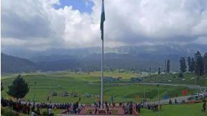 Indian Army Hoists 100 Meters Long National Flag In Gulmarg
