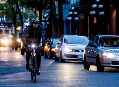 bicicleta por la noche