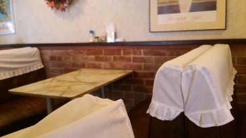 ジョージレストランのテーブル