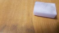 机の鉛筆汚れを綺麗にする方法は?薬品を使わず100均グッズで落ちました