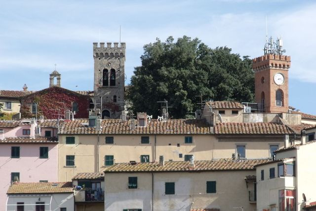 01 Castagneto Carducci and its bell towers