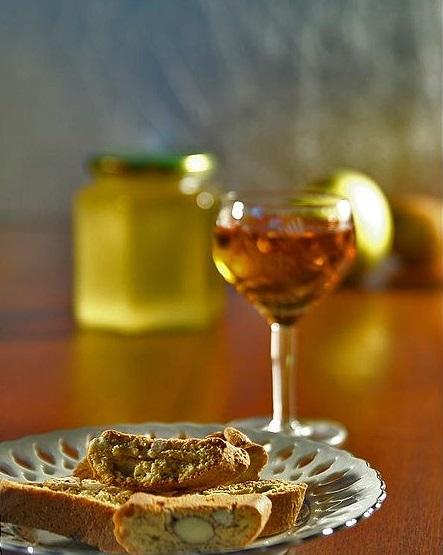 Vin Santo and cantuccini