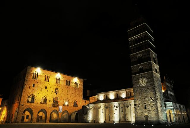 04 Pistoia, Piazza del Duomo