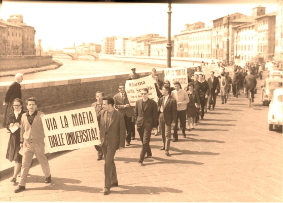 1968 protests along the river Arno