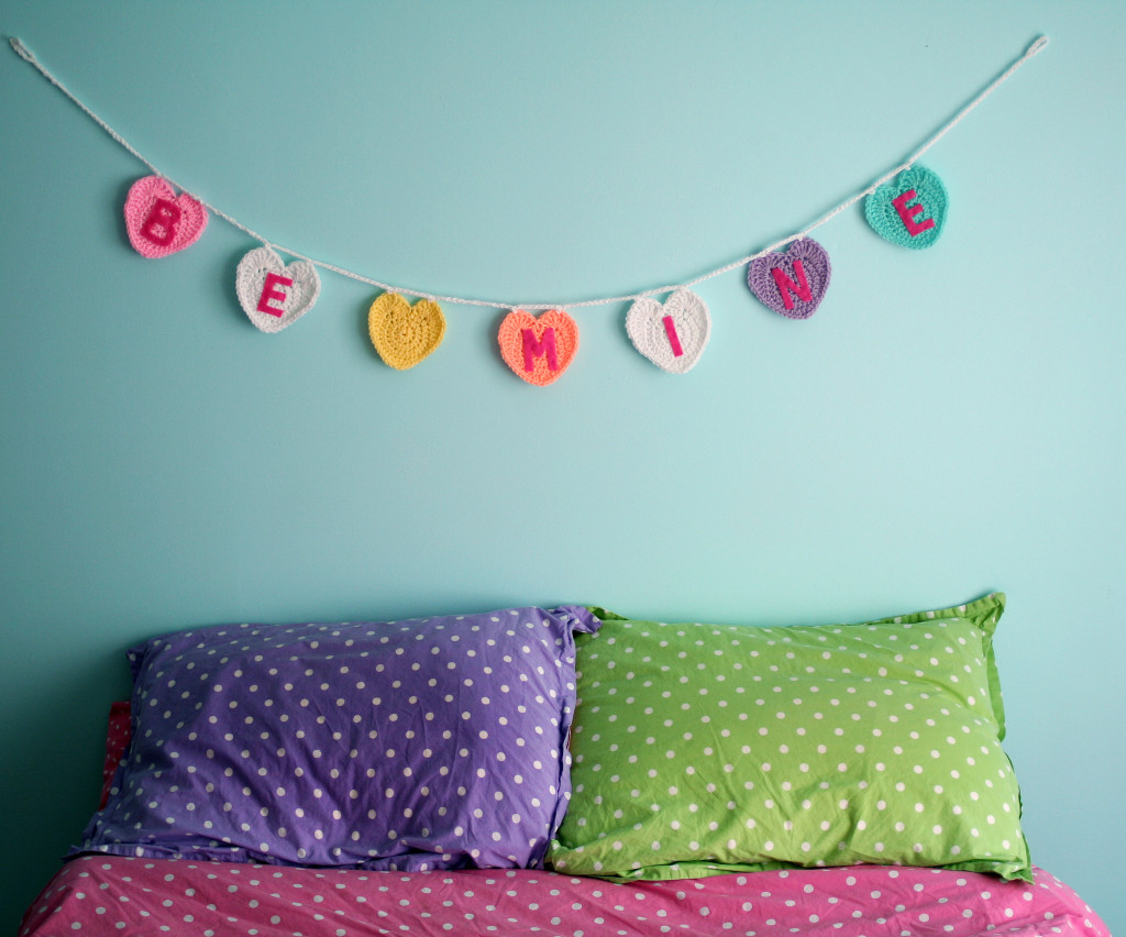 Be Mine Garland Wall
