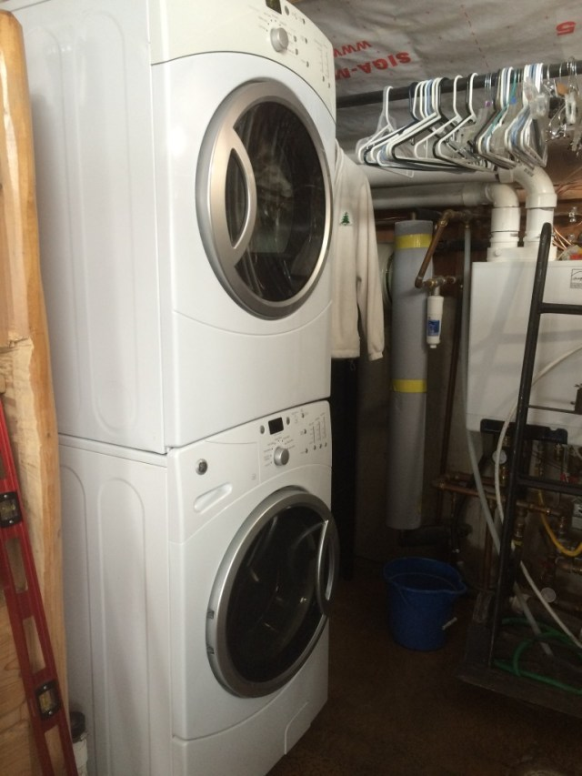 ew GE Stacked Washer and Dryer