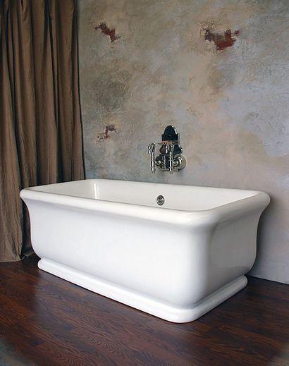 Roman Tub at Bath Works