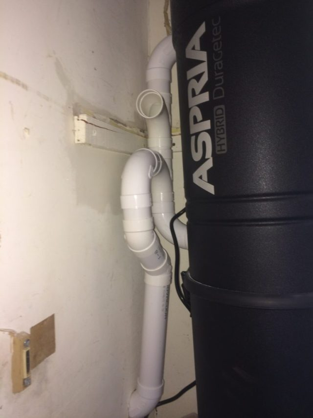 Vac Connections above the Intake