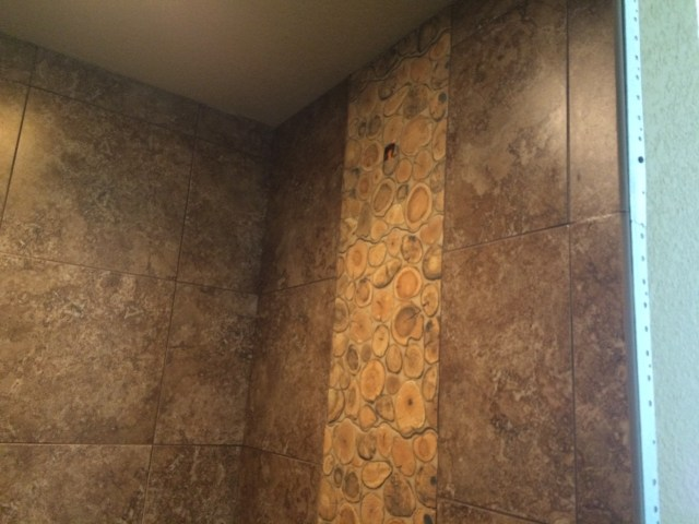 Rinsed tile feature wall