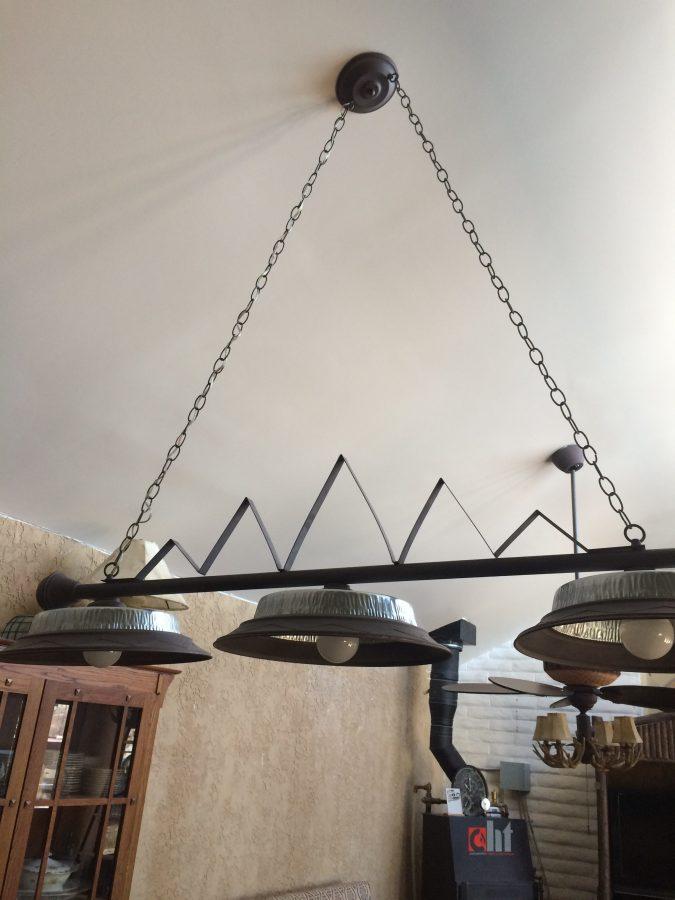 Kitchen light with trim