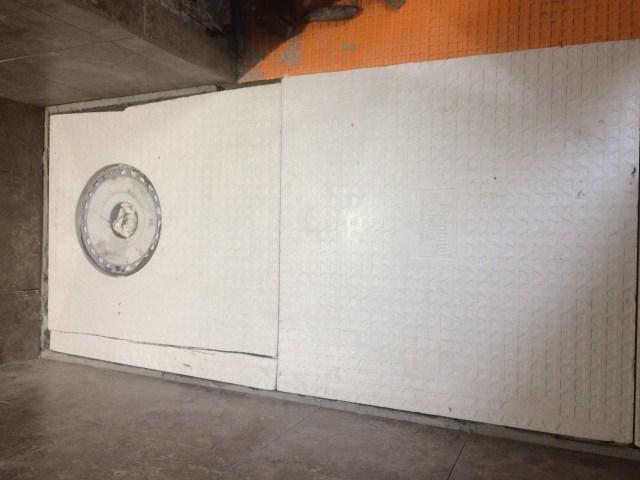 Kerdi shower base drain side