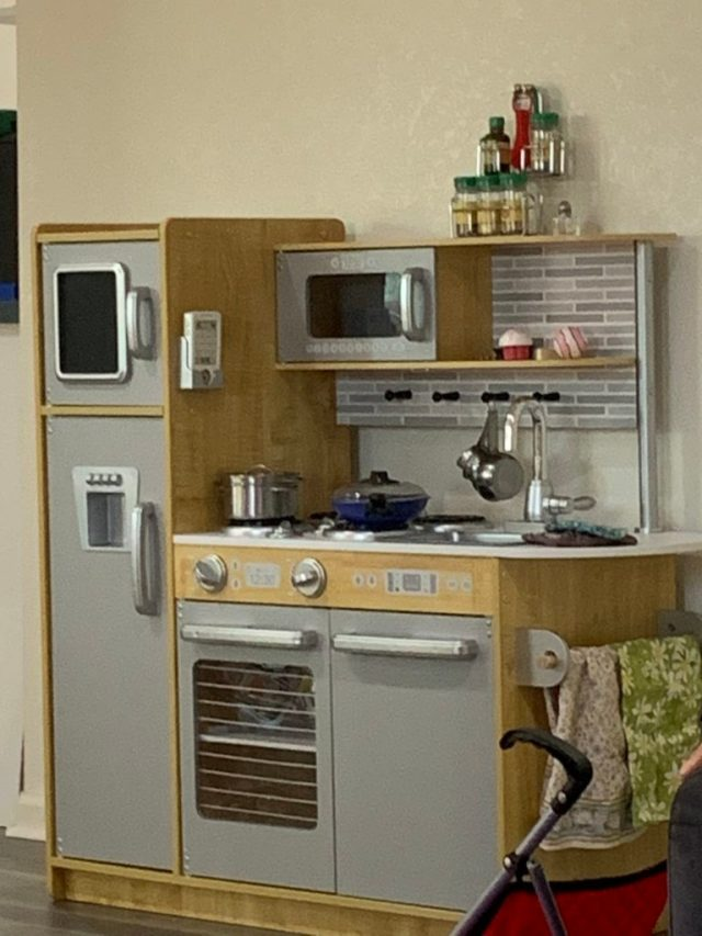 Finished play kitchen