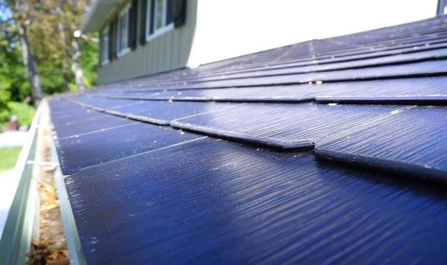 Shorter solar roof tiles