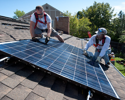Source: National Renewable Energy Laboratory Workers install PV modules on an Englewood, CO, home. Jobs are just one of the economic benefits that come from the increased investment in renewable energy spurred by state renewable electricity standards.