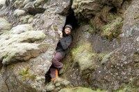 Christopher auf Höhlen Suche