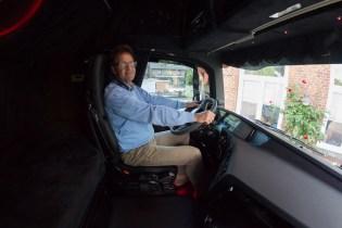 Bürgermeister Axel Kunkel im dunklen Volvo.