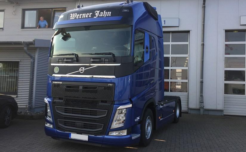 Neufahrzeugauslieferung Werner Jahn, Volvo FH