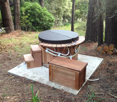 Economy range hot tub