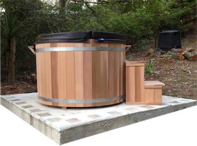 Ukko Cedar tub