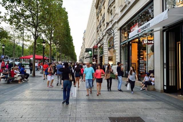 愛購物的人士,在這裡蹓躂一整天都不是問題!(Shutterstock)
