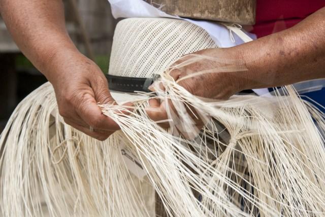 straw hat weaving