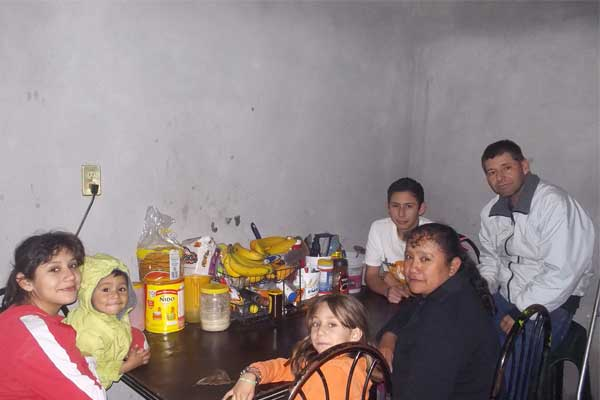 Jorge and his family spending time together.