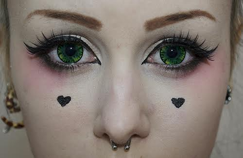 Lens Story Cara green colored contacts