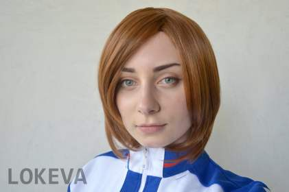 Short wigs are easy to maintain