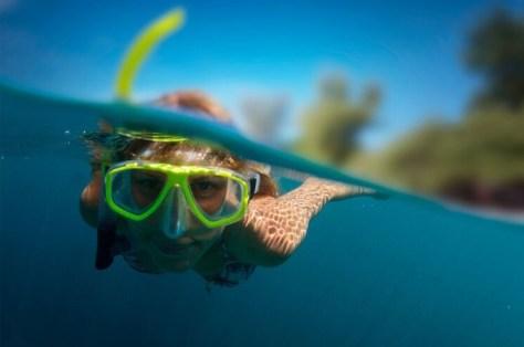 snorkel-blog-woman-snorkeller-large