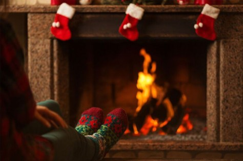 christmas-blog-feet-by-fire