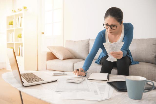 Menghitung Anggaran Bulanan Rumah Tangga