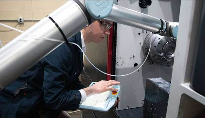 machine-tending-application-with-collaborative-robots