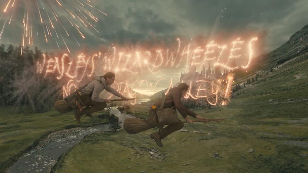Fred and George Weasley Hogwarts Express.v1