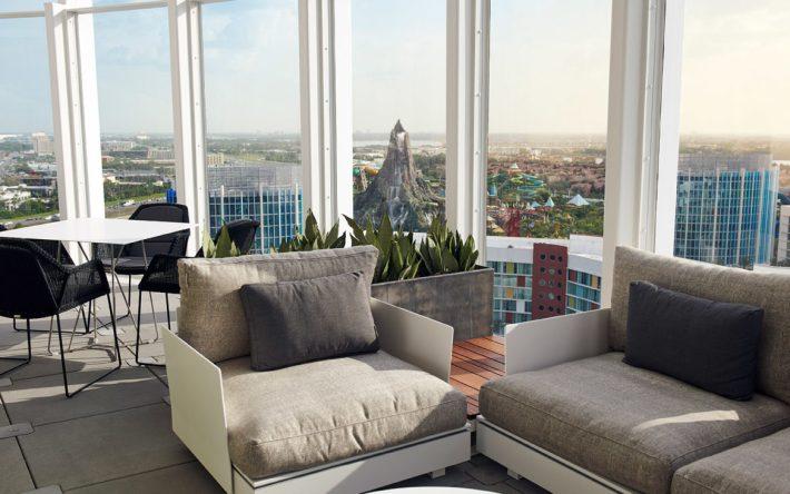 Universal's Aventura Hotel - Bar 17 Bistro View