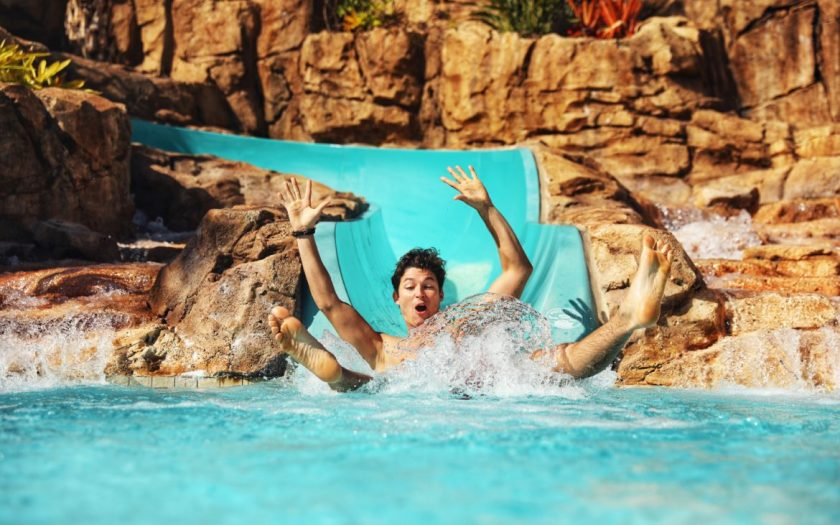 Loews Sapphire Falls Resort - Tobogán